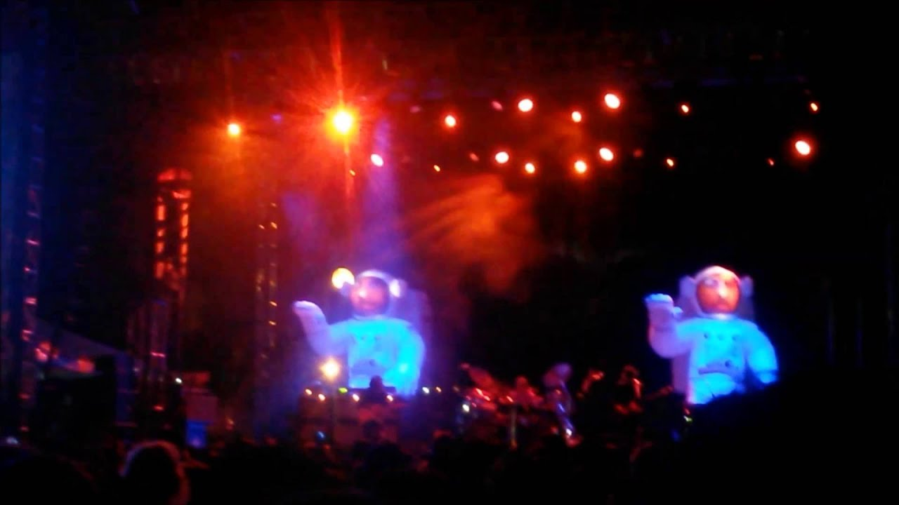 Primus-Anemia(tool cover) and My Name is Mud**Best Audio***(live riotfest  2014)