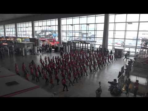 Yoga Flashmob на Курском вокзале 07.10.2012