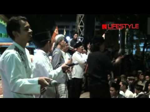 Alhamdulillah - Cak Nun & Kiai Kandjeng (Live @Alon-alon Kabupaten Trenggalek)