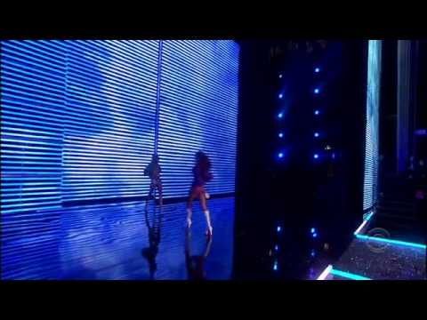 The Victoria's Secret Fashion Show 2006 Part 3/5 - Come Fly With Me [HD]