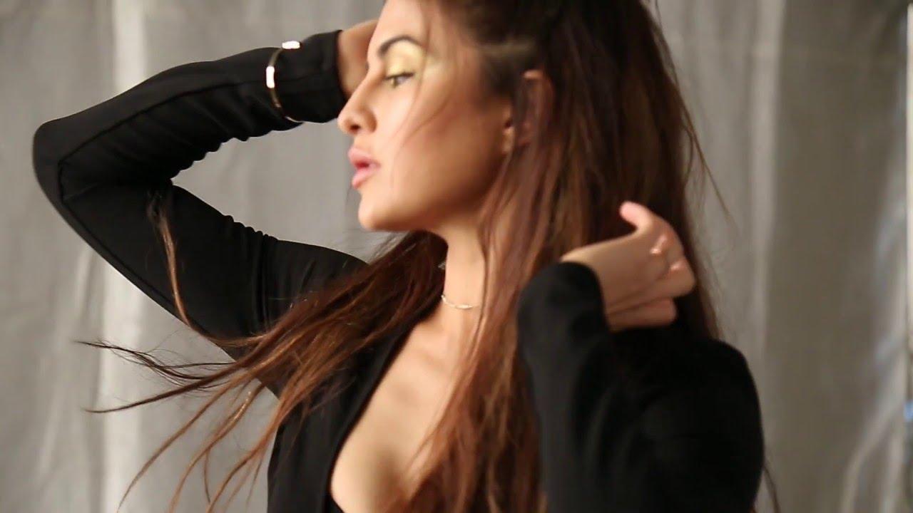Jacqueline Fernandez Nude Photos 52