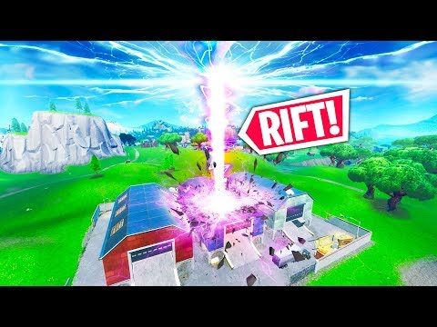 RIFT IS OPENING IN DUSTY!! - Fortnite Funny WTF Fails And Daily Best Moments Ep. 1289
