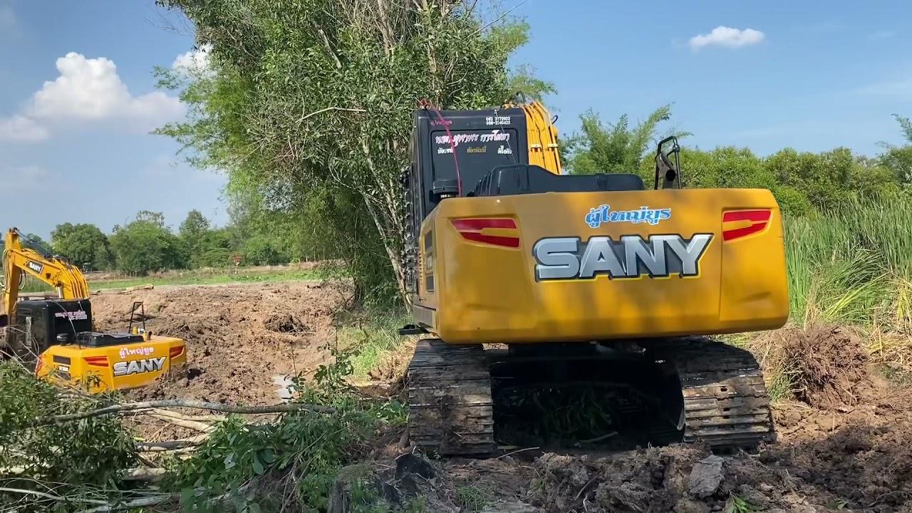 รถแม็คโครตักดินกำลังหาทางไปช่วย รถแม็คโครติดหล่ม Excavator SANY SY235C