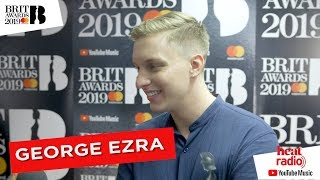 George Ezra says they don't teach you about acceptance speeches at school! Video