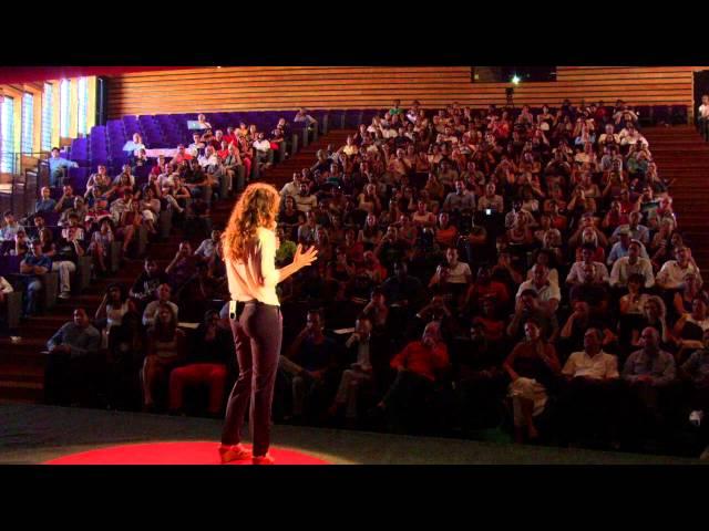 Le voyage pour découvrir du monde, le retour pour construire l'avenir | Mathilde Vera | TEDxRéunion