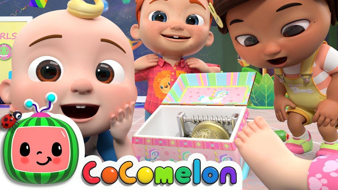 Head Shoulders Knees and Toes | CoComelon Nursery Rhymes & Kids Songs