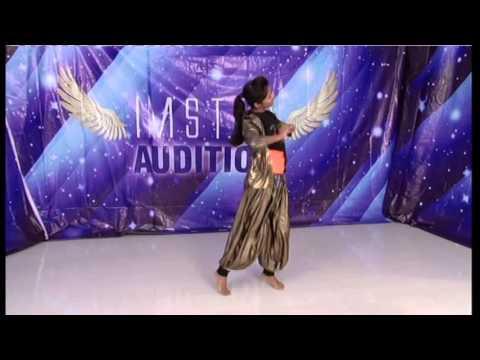 Daaru Peeke Dance from Kuch Kuch Locha Hai -...