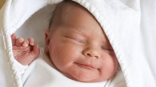 Смотреть видео  если в родившегося малыша болит животик