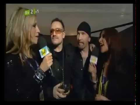 Nicole Appleton et Mélanie Blatt  interview with Bono and the Edge at the BRIT Awards