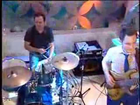 Tavi Clonda Band live @kanal D -