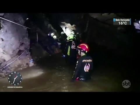 Mergulhadores lutam contra o tempo para resgatar meninos na Tailândia | SBT Notícias (09/07/18)