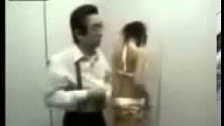 Неожиданный секс в лифте!