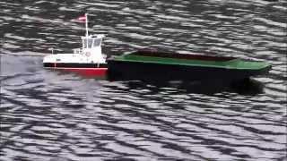 RC Schubschiff Taurus II und Schubleichter RC Tug boat and barge