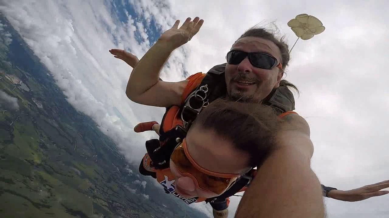 Salto de Paraquedas da Nikole na Queda Livre Paraquedismo 12 01 2017