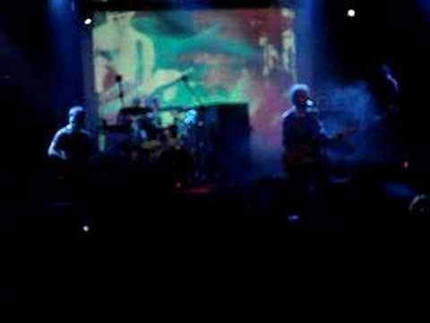 Los Planetas- Montañas de Basura en directo, Valencia 2007 mp3