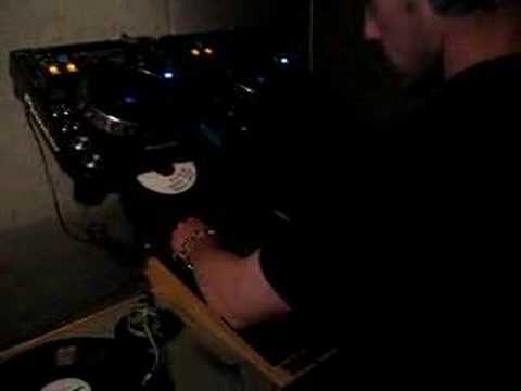 DJ Hatcha and Crazy D live at kiss fm 28/11/06 pt1