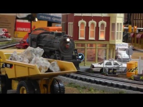 MTH RailKing PRR 2-8-0 Steamer #2819 Moving Some Freight