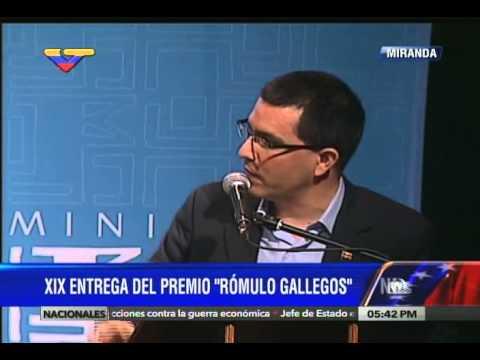 Entrega del Premio Rómulo Gallegos a Pablo Montoya