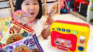 アンパンマン オーブンレンジのおもちゃにお絵かきをしていれるとペロペロチョコにへんしん!?Anpanman Microwave Toy