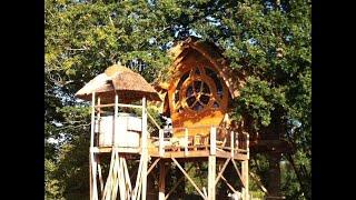 Présentation de la hutte gauloise au Domaine ARVOR