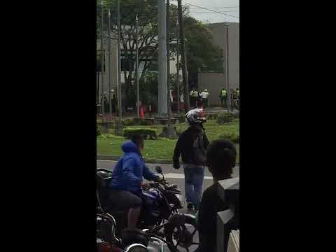 Robo en cali a Bancolombia de película