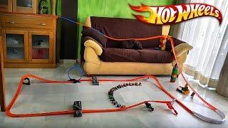 HOT WHEELS NA SALA!! Pista Track Builder com Carros da Hotwheels - Race Toy Cars in the Living Room