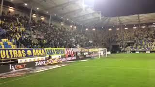 Arka Gdynia - Cracovia Kraków. Hej kibicu zgoda święta rzecz!!! Tylko Pasy i MZKS!!