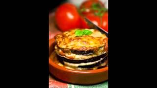 Баклажаны, запеченные с моцареллой и пармезаном в томатном соусе. Рецепт