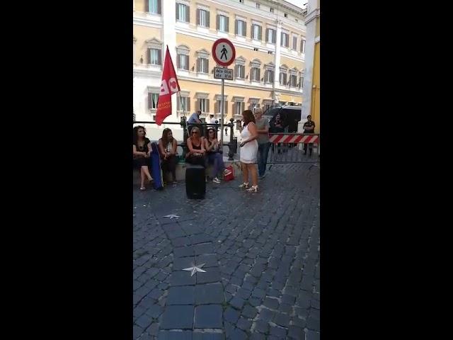 Presidio dei diplomati magistrali davanti a Montecitorio part. 3