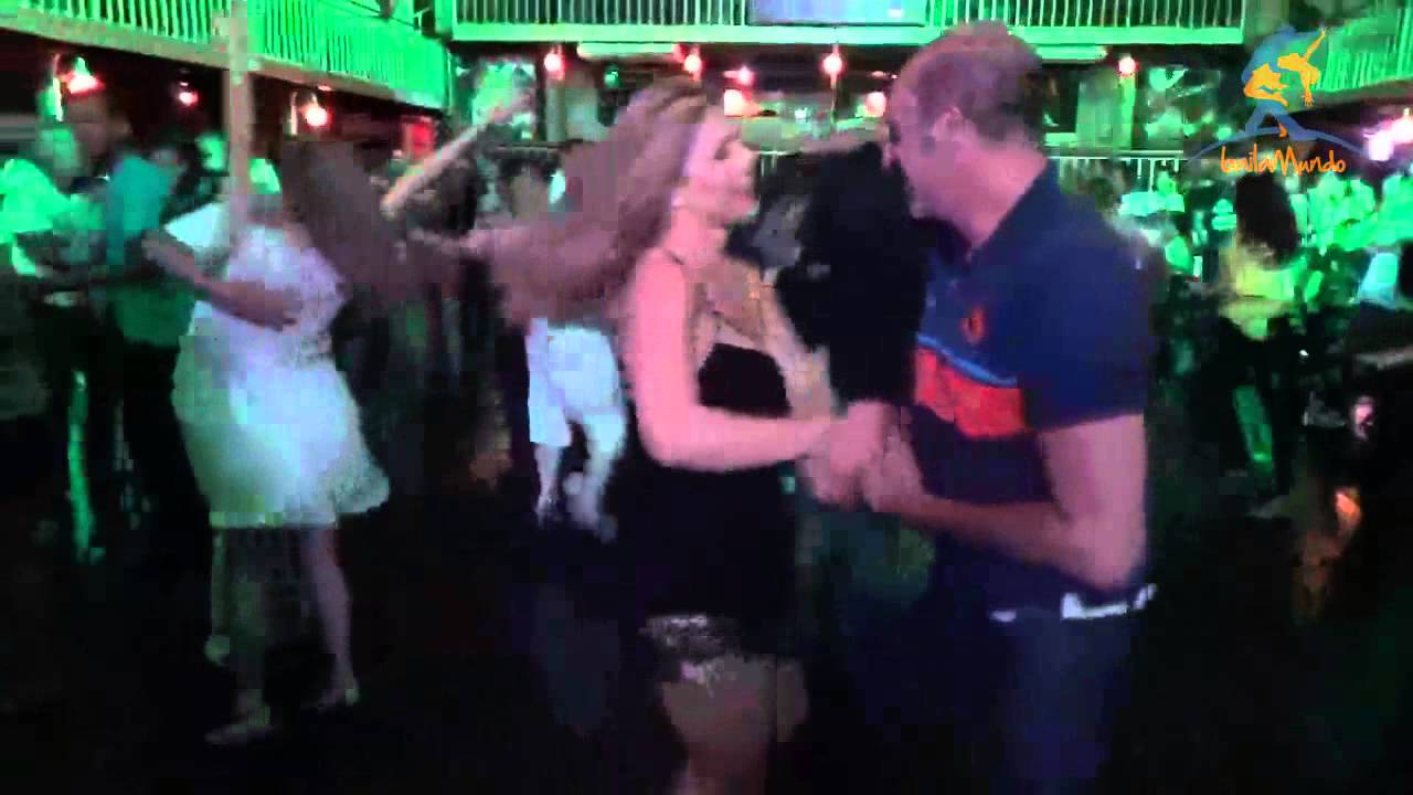 Sheila Mello e Phillip Miha (Carioca Club 26/02/2015) - YouTube