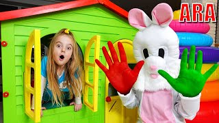 Ulya والأصدقاء يلعبون في الدهانات الملونة