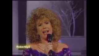 "Vikki Carr "" Sombras "", Homenaje a Javier Solis"