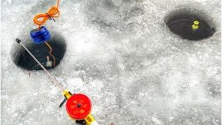 РЫБАЛКА На ПОПЛАВОК ЗИМОЙ КЛЕВ Как На Черных Камнях Зимняя Рыбалка С КОМФОРТОМ