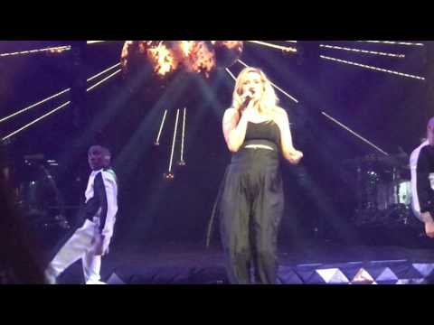 Ellie Goulding - We Can't Move To This  - 2016-05-05 - Saint Paul, Minnesota