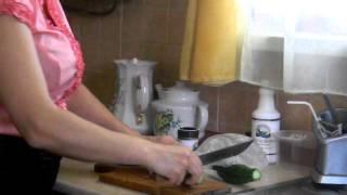 КАК приготовить малосольные огурчики .MOV