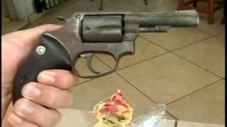 VIDEOS MARINGA URGENTE RAPAZ PRESO E PAIÇANDU COM REVOLVER E DROGA.