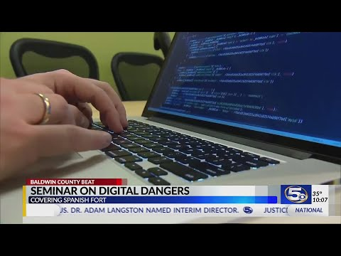VIDEO: Spanish Fort Middle School hosts community meeting on online safety with parents