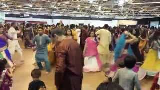 Download Hindi Video Songs - Atul Purohit London 2014 Garba fagan to ramto ayo
