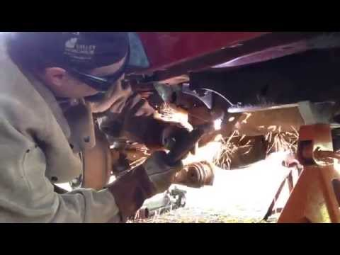 Jeep Wrangler TJ Rotten and Rusted Frame Repair Part 1  Quadratec Trail Arm Mount