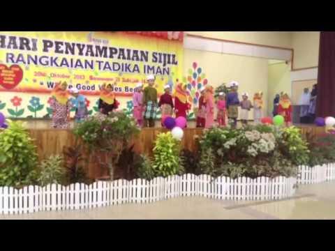 4 y/o Davia performing Bismillah & Segala Puji bagi Allah