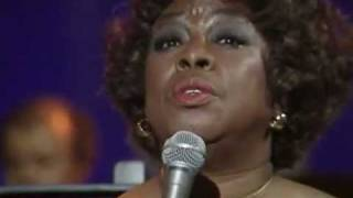 Sarah Vaughan sings Send in the Clowns