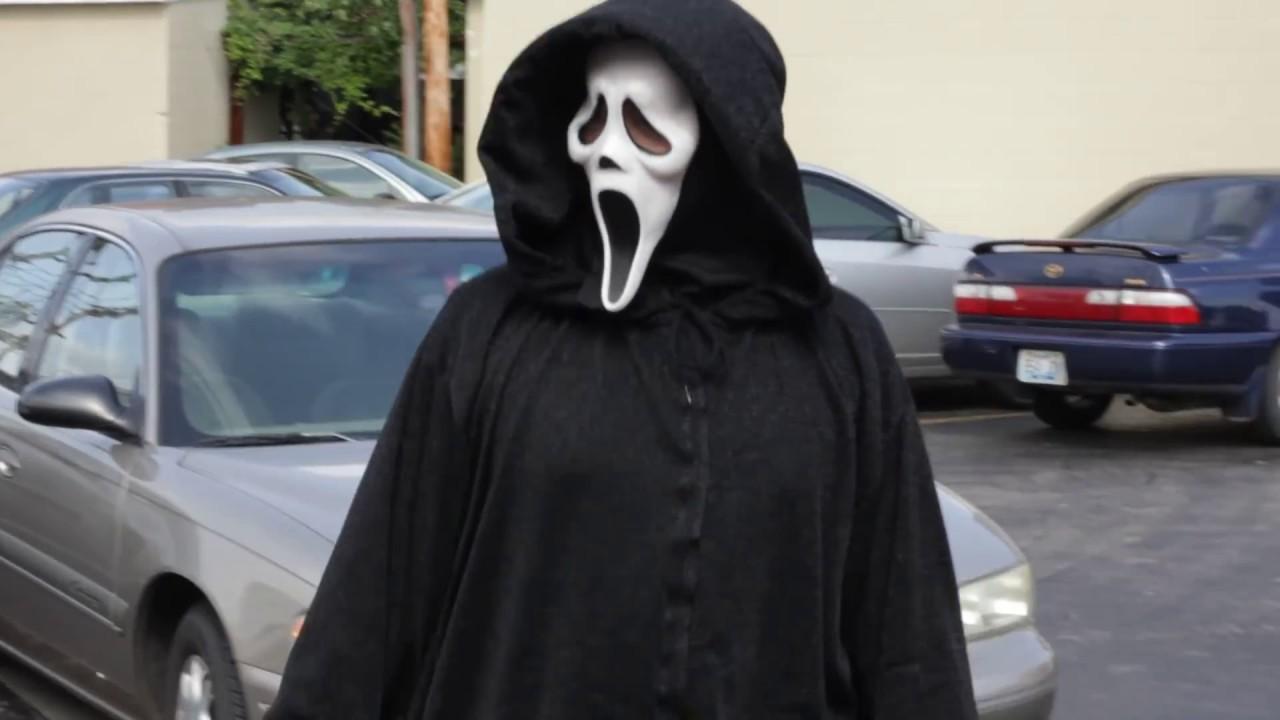 Quick Scream Ghostface Costume Daylight Test