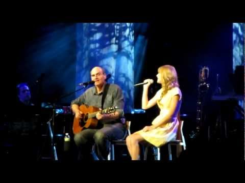 James Taylor - Fire and Rain (featuring Taylor Swift!) live at Tanglewood (July 2, 2012)