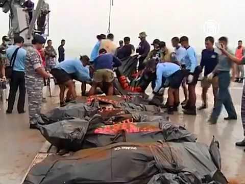 Тела 34 жертв авиакатастрофы AirAsia доставлены в Сурабаю (новости)
