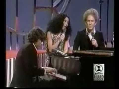 Art Garfunkel, Cher, Jimmy Webb - Bridge Over Troubled Water/All I Know/Up, Up and Away - Live