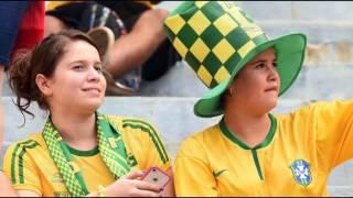 برازيليات و جنسيات أخريات في مدرجات التشجيع بالبرازيل كثير حلوات
