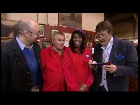 Rakie Ayola - Bargain Hunt: Famous Finds - 2/2