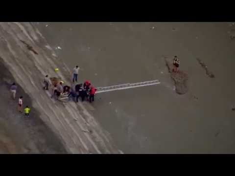Firefighters rescue teenagers from flash flood in Las Vegas