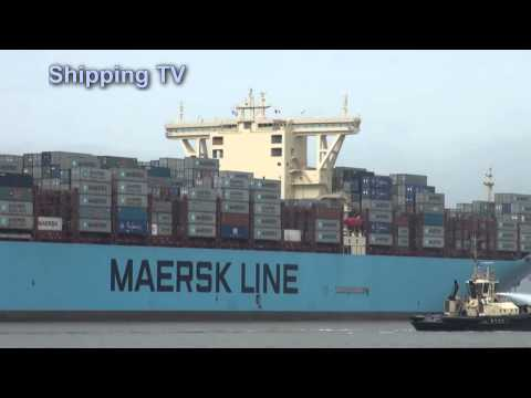 Majestic Maersk, World's largest container ship calls at Felixstowe