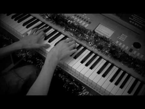 Rihanna russian roulette piano chords